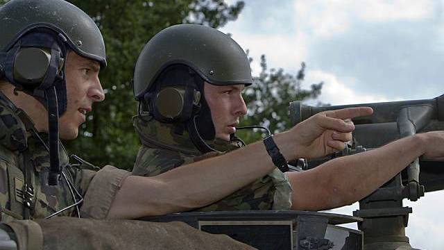 Soldaten in einem Panzer