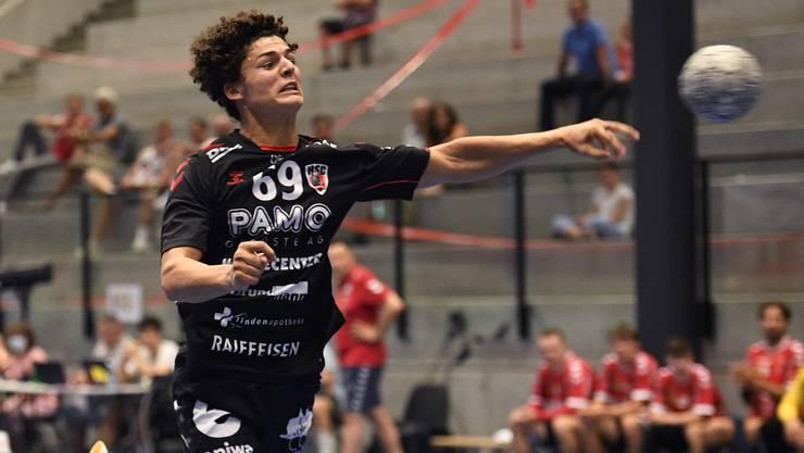 HSC-Neuverpflichtung Gian Attenhofer war mit zehn Treffern beim Sieg in Gossau der erfolgreichste Werfer seines Teams.