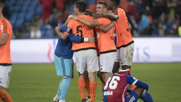 Im Joggeli gelten andere Gesetze: Lausanne gewinnt 2:1 gegen Basel.