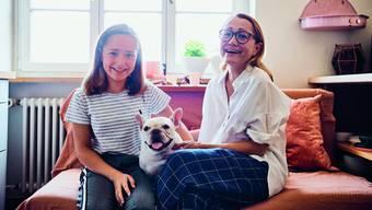 Tanja Grandits stellte damals für die Betreuung ihrer Tochter Emma ein Kindermädchen ein. Heute ist dieses ihre persönliche Assistentin. Bild: Lukas Lienhard