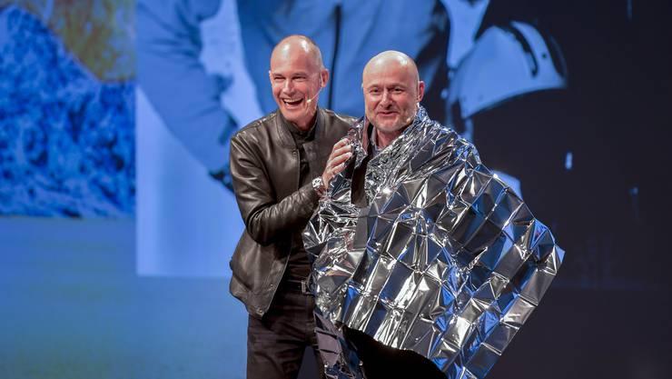 Bertrand Piccard (links) und Georges Kern bei der Präsentation der limitierten Breitling Cockpit B50 Orbiter in Genf. Eine Uhr (Piccard trägt sie) in Erinnerung an die Ballon-Weltumrundung durch Piccard vor 20 Jahren.