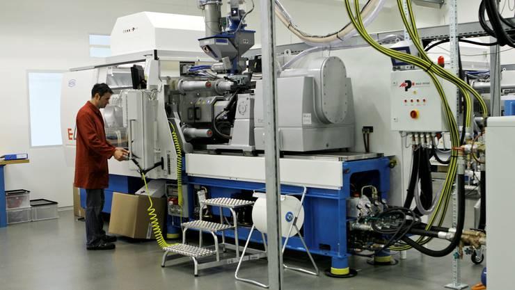 Die Produktion in der Ypsomed am Standort Solothurn. 50 Millionen werden hier investiert. (Archiv)