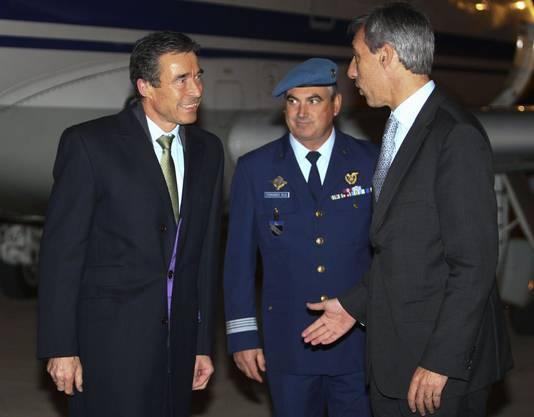 Nato-Generalsekretär Anders Fogh Rasmussen trifft in Lissabon ein.