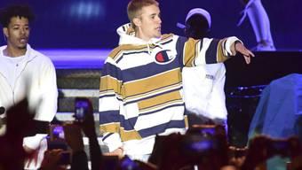 Justin Bieber ist frustriert: Oft kreischen seine Fans so laut, dass er sein eigenes Wort nicht versteht. (Archivbild)
