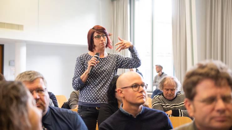 """Wie soll die Solothurner Kultur künftig gefördert werden. Das diskutierten rund 60 """"Kulturtäter"""" am Montagabend in Solothurn"""