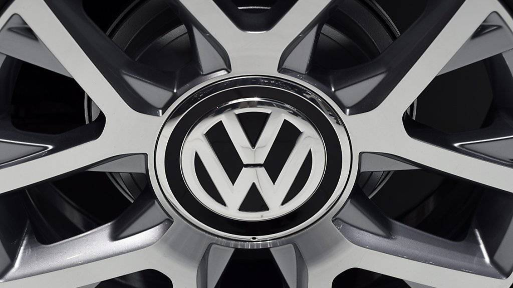 Volkswagen kommt unter Druck: Medienberichten zufolge hat die EU-Kommission dem Konzern eine Frist gesetzt Einzelheiten im Abgas-Skandal zu nennen.