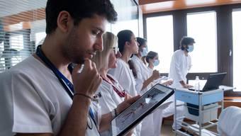Mit dem elektrischen Patientendossier sind Daten über Patienten für alle Beteiligten einfach abrufbar. (Symbolbild)