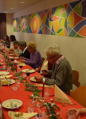 Für ein gemeinsames Mittagessen trafen sich rund 40 Personen