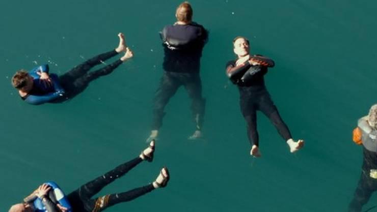 Dokumentarfilm «Tscharniblues II» von Aron Nick. Der Film eröffnet die Filmtage