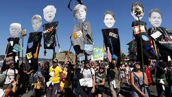 Die Gegner des G7-Gipfels in Biarritz setzten sich am Samstag an der französisch-spanischen Grenze für ihre Anliegen ein.
