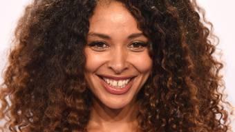 Die deutsche Sängerin Joy Denalane setzt sich für die Gleichstellung von Frauen und Männern im Musikgeschäft ein.