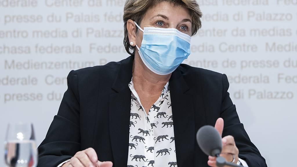 Bundesrätin Viola Amherd will Transparenz bei der Kampfjet-Beschaffung. (Archivbild)