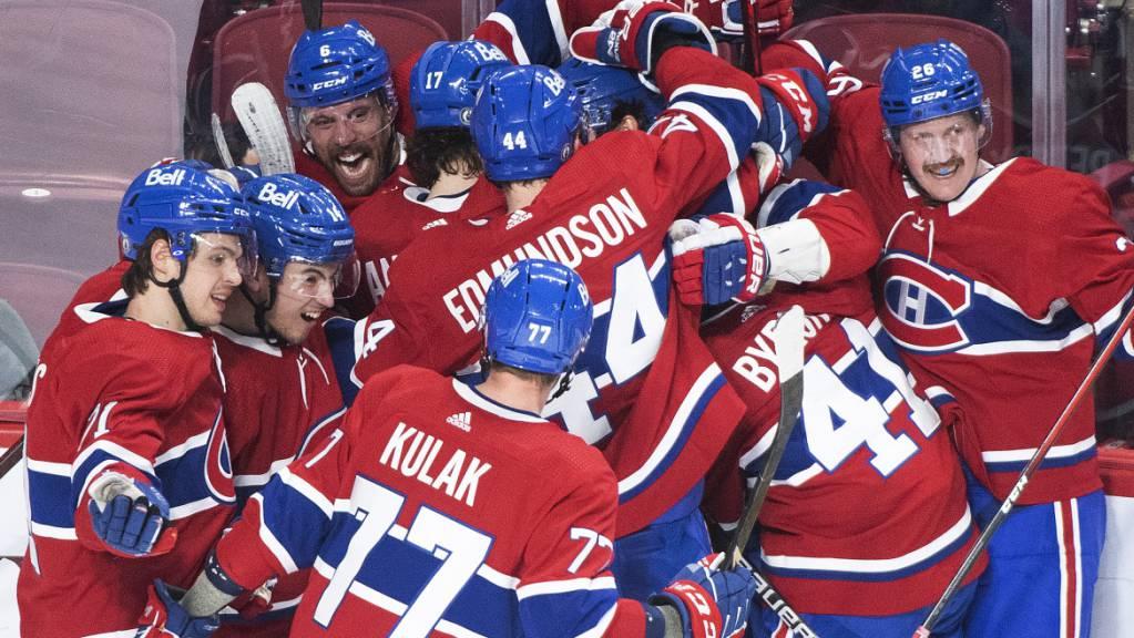 Gross war die Freude bei den Montreal Canadiens nach dem Siegtor von Jesperi Kotkaniemi in Spiel 6