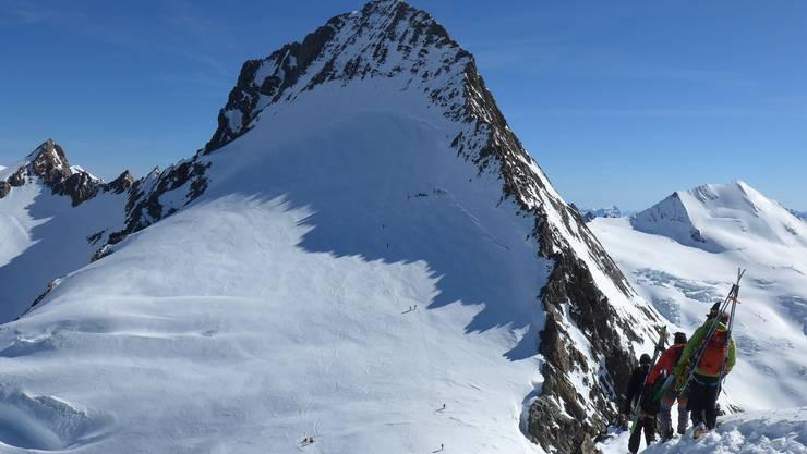 Ueberschreitung Grünegghorn-Gross Grünhorn (4044 m)