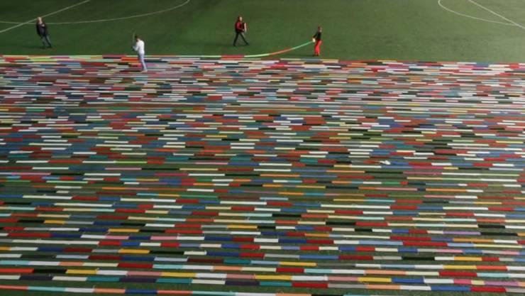 Um den längsten Schal der Welt zu stricken, benötigte ein Norweger angeblich 30 Jahre.