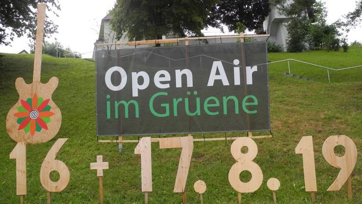 So wirbt der Verein Bluesmerize unterhalb der reformierten Bergdietiker Kirche für sein Open Air.