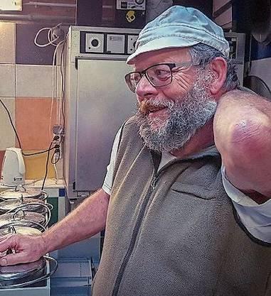 Luc Rempe macht Käse und Joghurt aus Schafsmilch.