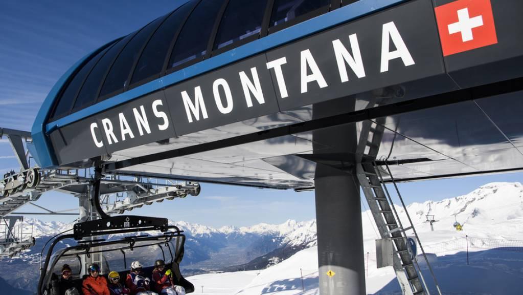 Die Bergbahnen von Crans-Montana fühlen sich im Magic Pass benachteiligt. Sie drohen erneut mit einem Ausstieg und fordern eine längere Kündigungsfrist. (Archivbild)