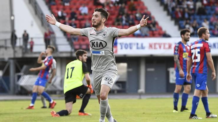 Petar Misic schiesst den FC Aarau in der 16. Minute in Führung.