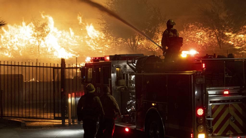 Waldbrände in Kalifornien schlagen Tausende in die Flucht