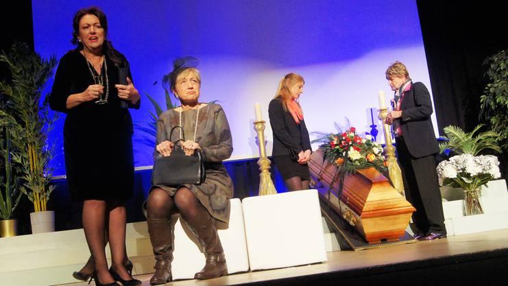 «Sterben für Anfänger» heisst das makabre Stück der Bühne Wehntal.