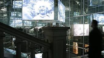 Blick in die Einstein-Ausstellung in Bern