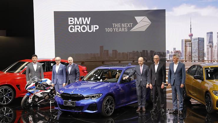 Der BMW-Konzern ist im ersten Quartal von einer drohenden EU-Milliardenbusse ausgebremst worden. Im Bild der BMW-Stand an der im April durchgeführten Auto Shanghai 2019. (Archivbild)