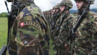 In der Schweizer Armee herrscht notorischer Offiziersmangel – für viele geht der Beruf vor.