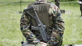 Der Bundesrat will die Ausrüstung der Schweizer Armee für zwei Milliarden Franken modernisieren.