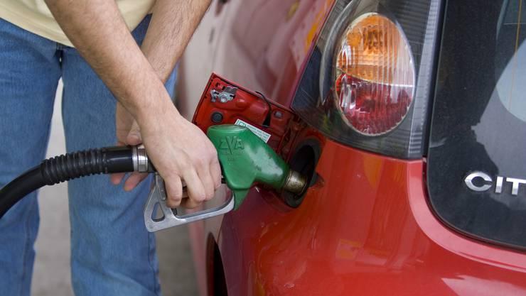 Schnell passiert: Diesel statt Benzin getankt. (Symbolbild)