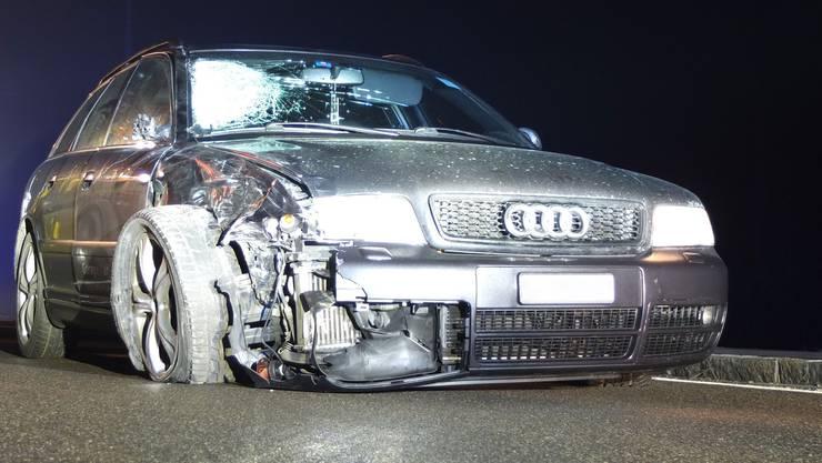 Frontalkollision zwischen einem Audi und einem Roller in Birrwil.