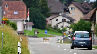Ein Rentner hat mit seinem Auto einen Selbstunfall verursacht. (Symbolbild)