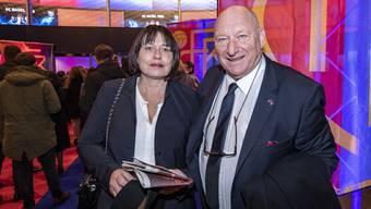 Ein Jubiläum, zwei Sausen (sel von der offiziellen FCB-Gala. Karli Odermatt mit Frau Rosmarie