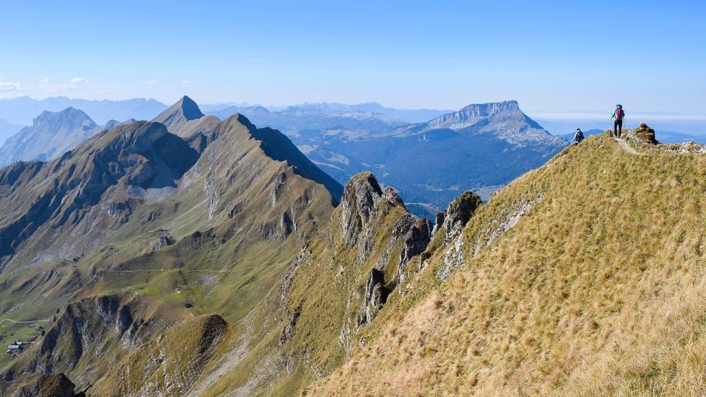 Berggänger stürzt in Begleitung der Tochter 300 Meter in den Tod