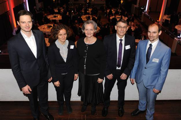 Familienfoto: Moritz Maurer, Rahel Siegrist, Renata Siegrist-Bachmann, Kurt Siegrist und Jonas Siegrist (v.l.).