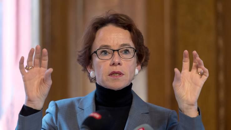 Für die Nachfolge der ebenfalls wegen Amtszeitbeschränkung abtretenden Ständerätin Anita Fetz (SP) ist die Basler Regierungsrätin und Finanzdirektorin Eva Herzog (SP) Favoritin.