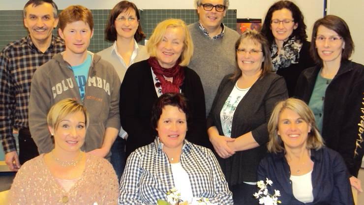 Vorstand 2013 (inklusive dem zurückgetretenen Reto Hausherr), die Kurs- und Technischen Leiterinnen und die Revisoren.