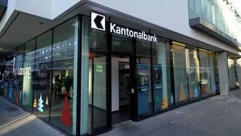 Die BKB und die BLKB sollen einer Fusion prüfen, schreibt ein Zürcher Finanznachrichten-Portal.