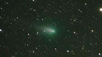 """Am Abendhimmel stirbt derzeit der Komet """"Atlas"""". Die Aufnahme stammt vom späten Abend des 22. April."""