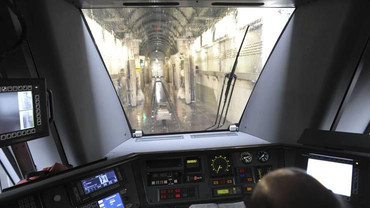 Blick aus der Führerkabine bei der Einfahrt in die Waschanlage