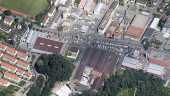Links ist der Baumarkt an der Binningerstrasse in Allschwil zu sehen.
