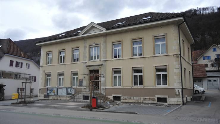 Die Sanierung des Dachstocks des Gemeindehauses Pieterlen wurde vorgezogen. Oliver Menge