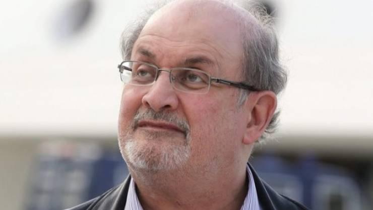 Nicht alle iranischen Verlage sehen das so eng mit der Verachtung des Landes für Salman Rushdie: Einige kommen trotz von der Regierung verordnetem Boykott auf die Frankfurter Buchmesse (Archiv).