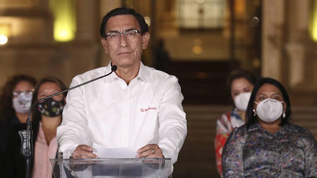 Bei Corona-Impfung vorgedrängelt: Ämtersperre für Ex-Präsident