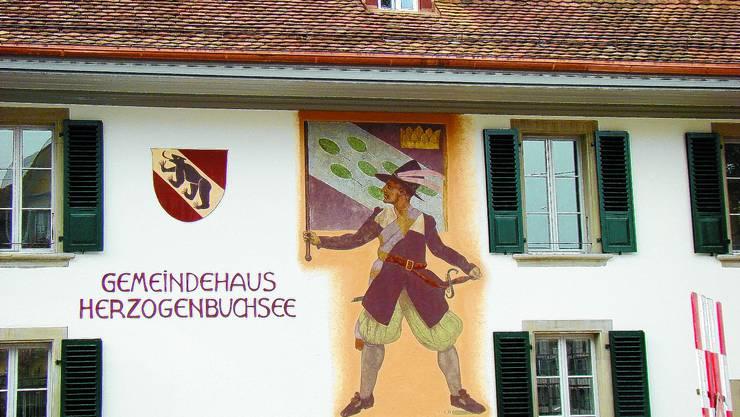 Gemeindehaus Herzogenbuchsee: Die Wahlen am 27. September versprechen Spannung. (Irmgard Bayard)