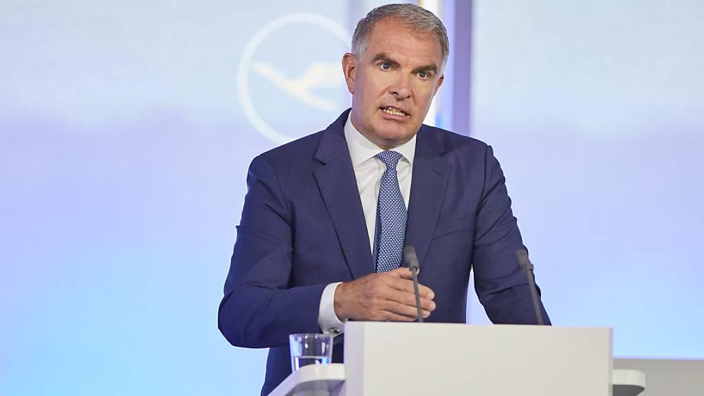 Lufthansa-Chef Carsten Spohrt gibt an, bis zu 1000 Piloten entlassen zu müssen, wenn die Gewerkschaft nicht einlenkt. (Symbolbild)