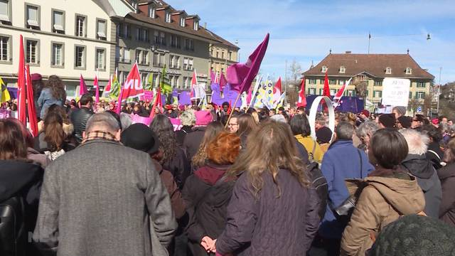 Lohn-Demonstration am Weltfrauentag