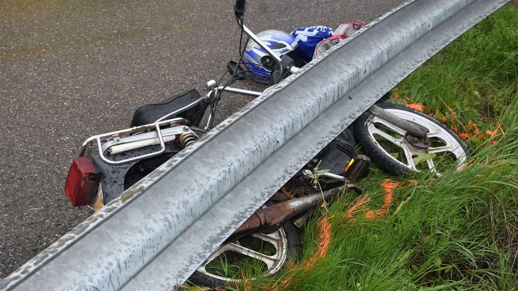 Eine 15-jährige Töfflifahrerin wurde in Necker von einem Auto angefahren.