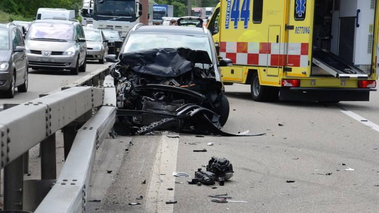 Ein Unfall legte zeitweise die A2 lahm.