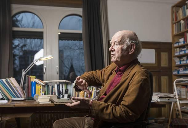 Wenn er erzählt, wird's still im Raum: Franz Hohler in seinem Element.